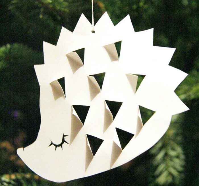 DIY decoration sapin de noel a suspendre herisson en papier