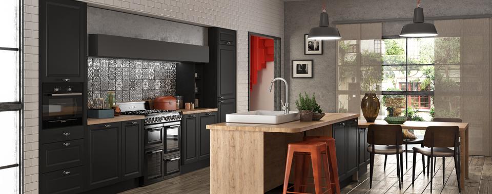 cuisine-ouverte-couleur-noire-avec-table